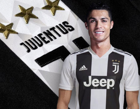 Juventus sold over 500 000 Ronaldo shirts in 24 hours   Juventus Cristiano Ronaldo