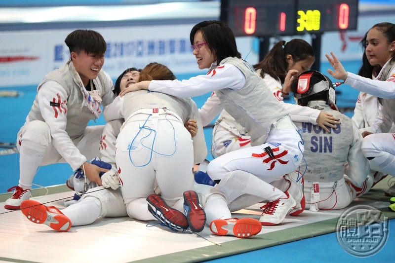 afc2017_fencing_womenfoilteam_800_20170619-09