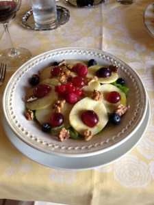 Salad with berries, apples, and walnuts