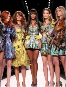 Naomi Campbell (center) swears by Gyrotonics