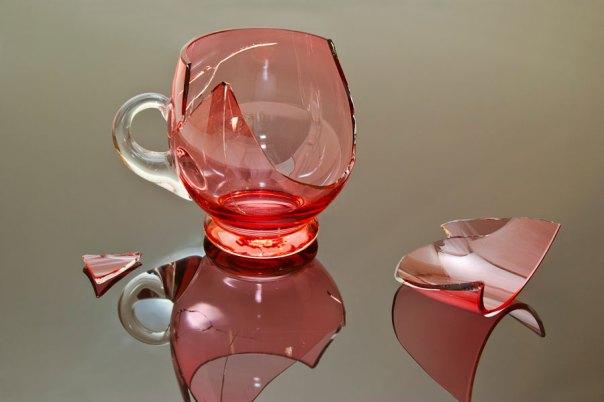 El significado de las roturas de cosas en casa. Qué significa cuando se rompen los vidrios. Qué significa cuanodo se abren las puertas.