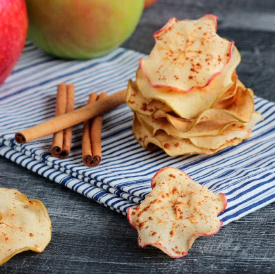 Easy Baked Cinnamon Apple Chips