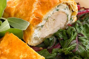 For Valentine's Day: Beautiful Chicken In Puff Pastry