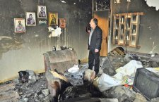 ЧУДО НЕВИЂЕНО У СРЕБРЕНИЦИ: У стану Савића све изгорело, иконе остале!