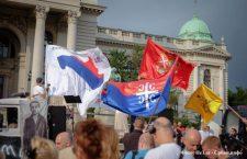 ПАТРИОТЕ ИСПРЕД СКУПШТИНЕ СРБИЈЕ јер су издајницима пуна уста Косова и Метохије