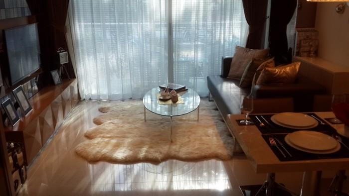 Rivieara wongamat pattaya living room
