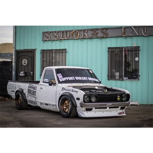 PANDEM DATSUN 620 521 BODY KIT