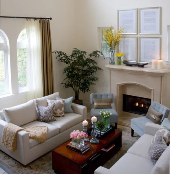 808493 0178 w422 h454 b0 p0  traditional living room 7 Secrets to Saving Money When Staging Your Home