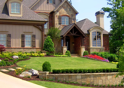 Front Yard Landscaping Ideas - Simple and clean front yard