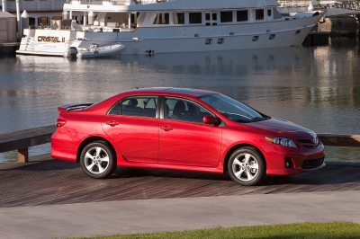 2013 Toyota Corolla Reviews and Rating | Motor Trend