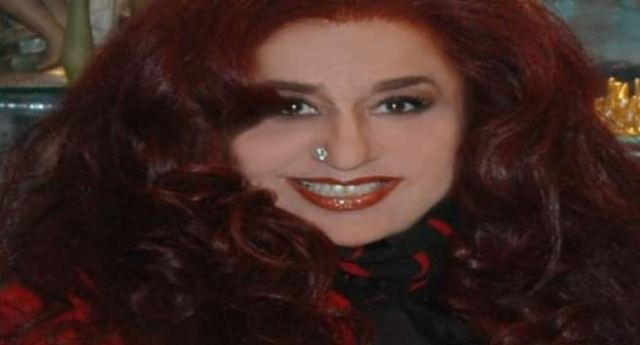 shahnaz hussain tips to get rid from dandruff
