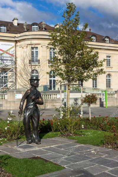 Vevey, Švýcarsko - 29. října 2015: Charlie Chaplin památka ve městě Vevey, Kanton Vaud - Stock ...
