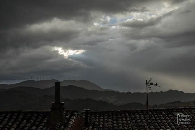 GEwitterstimmung an Abend in Sos del Rey Católico