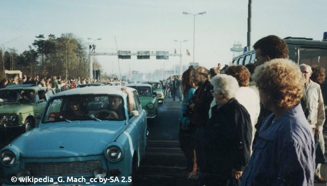 Grenzöffnung November 1989 am Autobahnkontrollpunkt Helmstedt