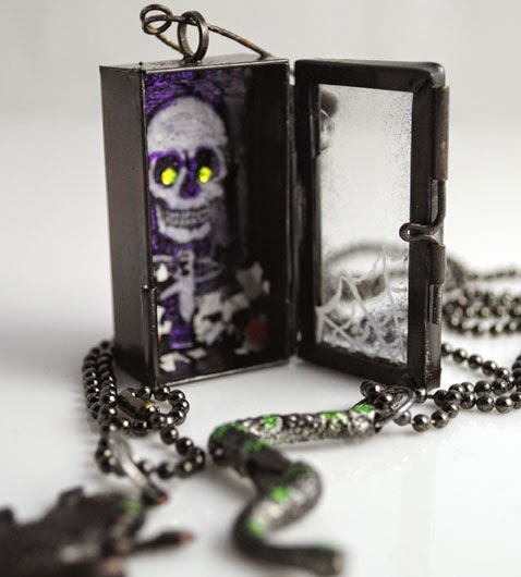 Project: Halloween Necklace