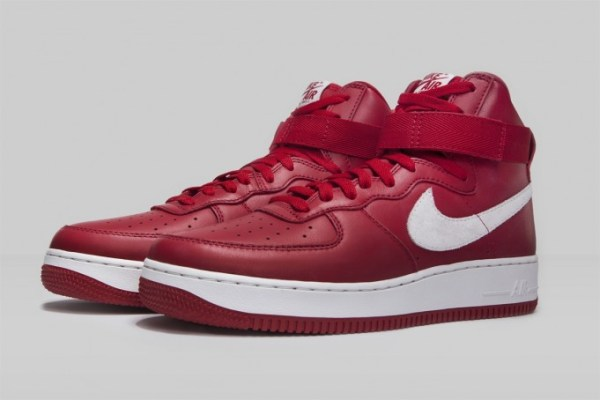 nike-naike-air-force-1-red-white-681x454