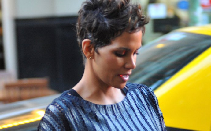 Halle Berry in Buenos Aires