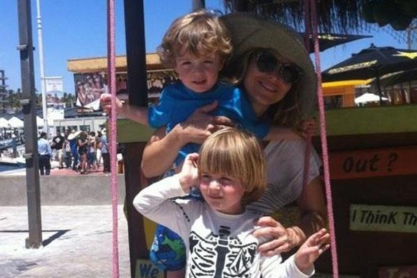 Brooke Mueller & kids