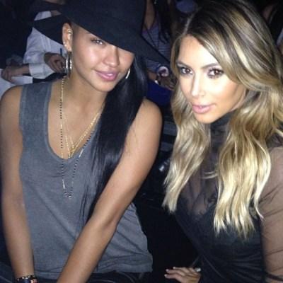 Casandra & Kim Kardashian