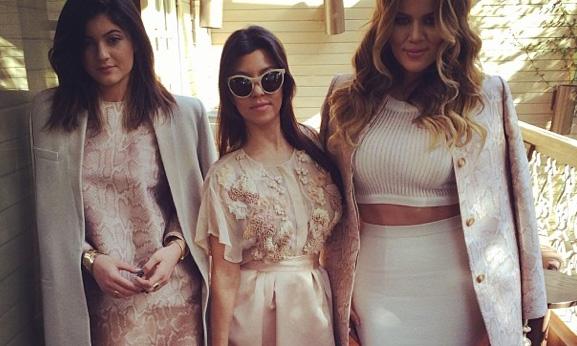 Kylie Jenner, Kourtney Kardashian & Khloe Kardashian