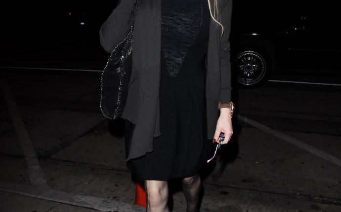Courtney Love Strange Behavior