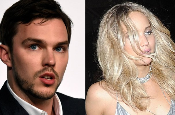 jennifer-lawrence-nicholas-hoult-fighting