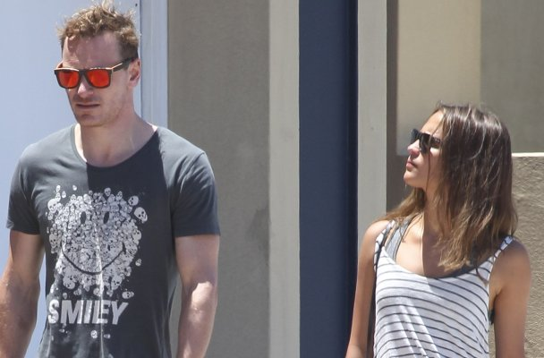 ***MANDATORY BYLINE TO READ INFphoto.com ONLY*** EXCLUSIVE: Michael Fassbender and his 'Oceans' co-star Alicia Vikander have lunch in Bondi, Sydney, Australia.  Pictured: Michael Fassbender, Alicia Vikander Ref: SPL902739  021214   EXCLUSIVE Picture by: INFphoto.com