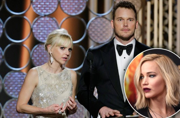jennifer lawrence drunk kisses chris pratt passengers