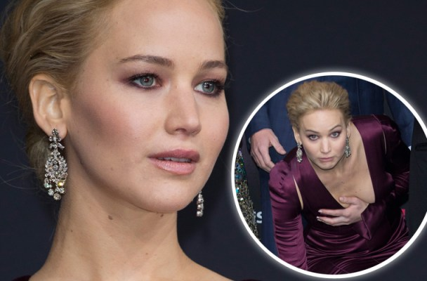 jennifer-lawrence-wardrobe-malfunction-feature