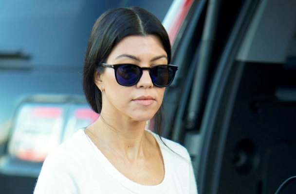 kourtney kardashian last minute christmas shopping