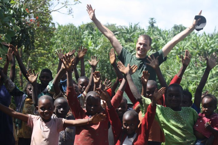 Ryan-Hreljac-with-Children-Impacted-by-Ryan's-Wells