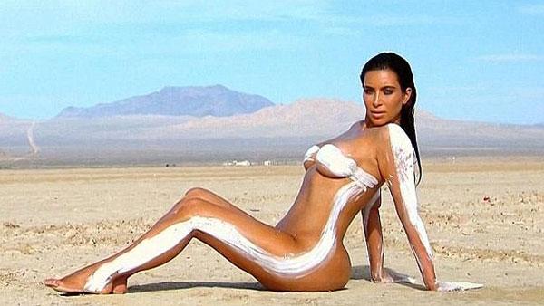 TOP 10 Hottest Photos of Kim Kardashian | Black Chili