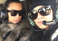 kardashians-take-selfies-during-helicopter-emergency
