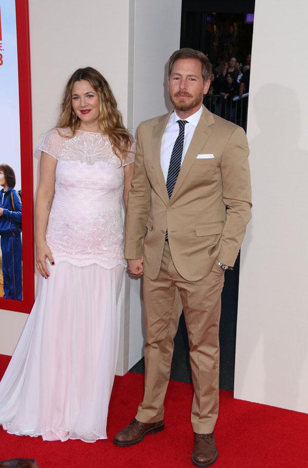 Drew Barrymore Divorce From Husband — Custody Battle To ... Drew Barrymore Divorce