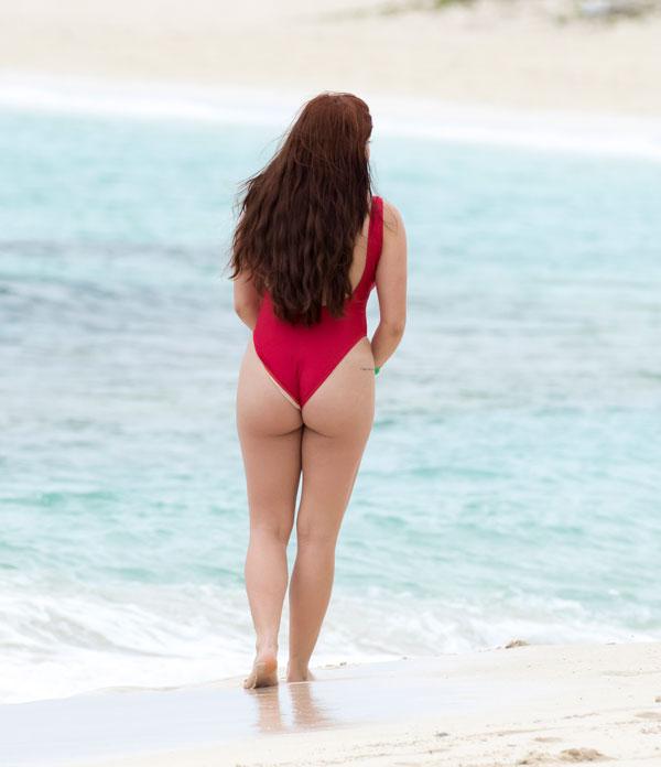 Not OK: Ariel Winter, 18, Shows Off Shocking Underboob in Nude GraduationDress