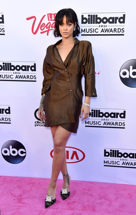 best-worst-dressed-billboard-awards-red-carpet-pics-10