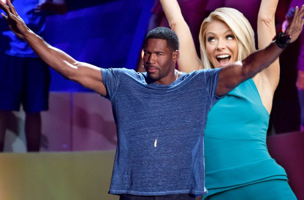 kelly ripa michael strahan feud live with michael and kelly over truce