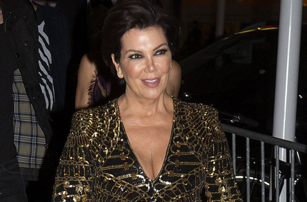 kris-jenner-changing-name-back-kardashian-01