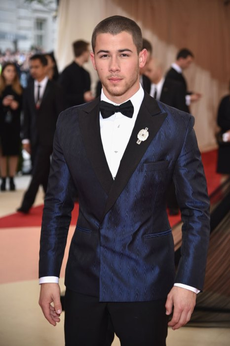 met-gala-2016-red-carpet-fashion-best-worst-pics-26