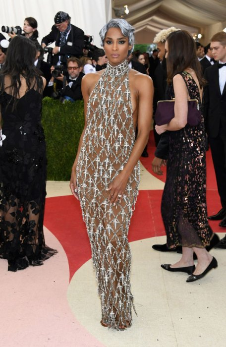 met-gala-2016-red-carpet-fashion-best-worst-pics-31
