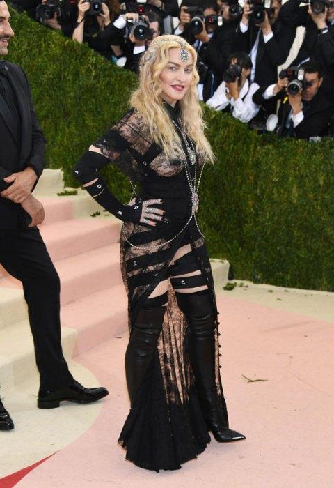 met-gala-2016-red-carpet-fashion-best-worst-pics-51