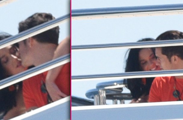 orlando bloom selena gomez katy perry kissing yacht pda pics