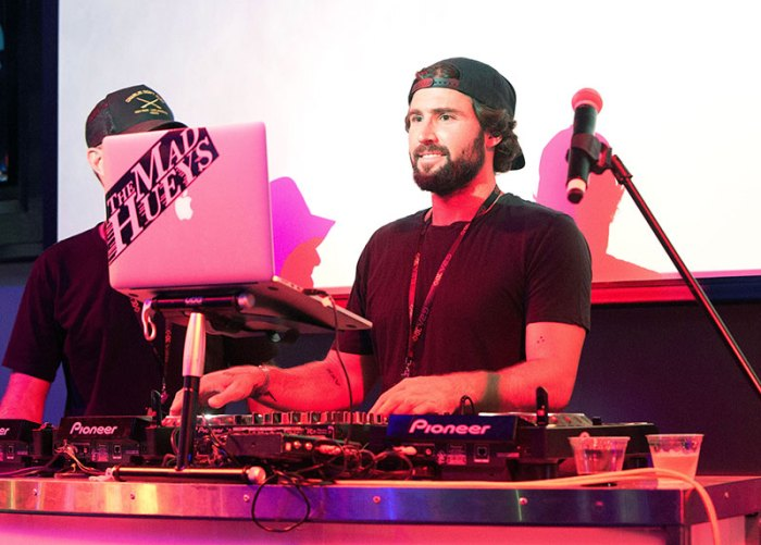 **EXCLUSIVE** Brody Jenner surrounded by women as he DJ's the Ri