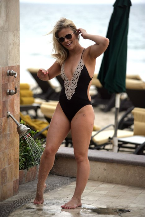 celebrity-sightings-vacation-0