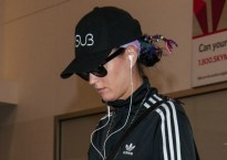 katy-perry-feuding-taylor-swift-airport-video