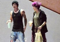paris-jackson-buying-beer-boyfriend-relapse-booze