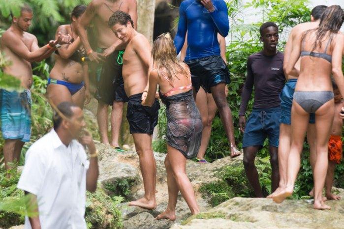 heidi-klum-pda-photos-model-makes-out-vito-schnabel-jamaica-01
