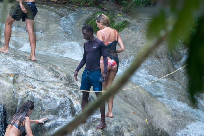 heidi-klum-pda-photos-model-makes-out-vito-schnabel-jamaica-08