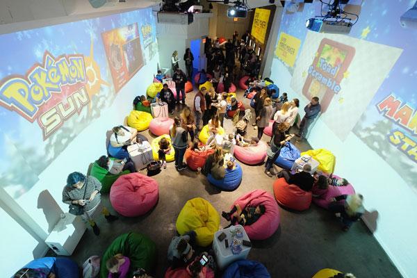disney-channel-star-austin-ally-laura-marano-nintendo-3ds-girls-love-gaming-event-pics-5