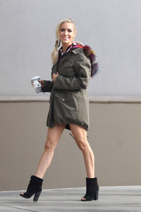 *EXCLUSIVE* Kristin Cavallari shows off her toned legs as she steps outforcoffee